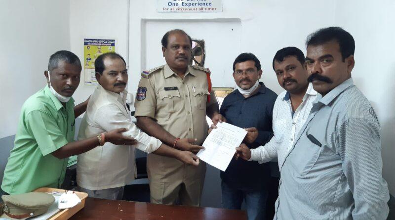 Shepherds register case against film star Mohan Babu in police station