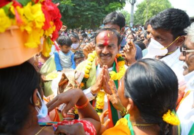 Etala accuses KCR of letting down dalits
